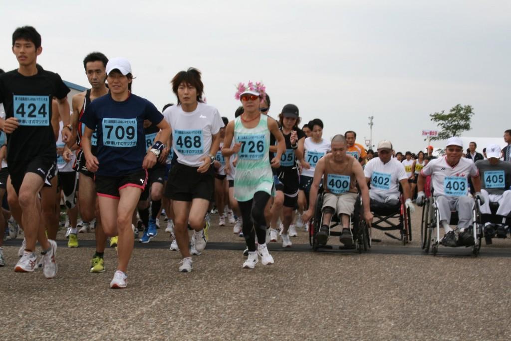 「一般ランナーと車椅子ランナーが一緒に走れる! 第21回長良川ふれあいマラソン」の画像