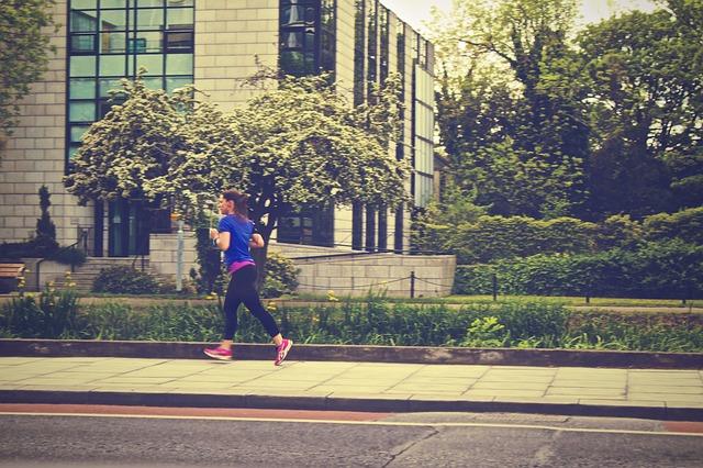 """「「マラソン完走は""""歩くが勝ち""""」ってどういうこと? 専門家が語る「初マラソン挑戦者」の攻略法」の画像"""
