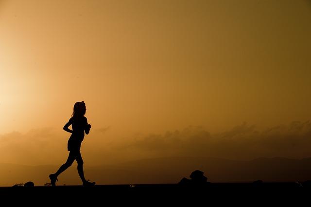 「高橋尚子さん・野口みずきさんもO型。『なんとなくこっち』で進んで行くO型ランナー」の画像
