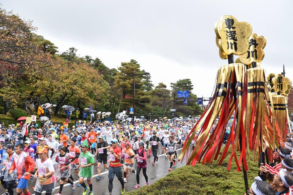 「北陸初の〝国際コース〟を走る! 金沢マラソン2016」の画像