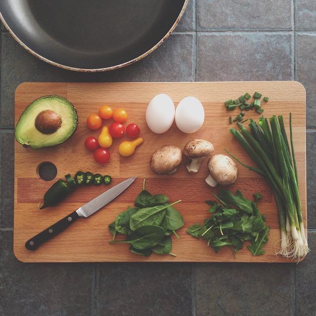 「コンビニの「野菜ジュース」には栄養がない!? 「濃縮還元」の文字に要注意!!」の画像