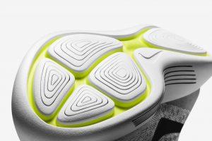 「快適で贅沢な履き心地「ナイキ ルナエピック フライニット 2」が発売開始!」の画像
