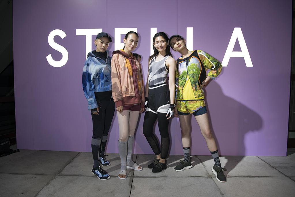 「「adidas by Stella McCartney」2017年秋冬コレクションがVR技術によってお披露目に。」の画像