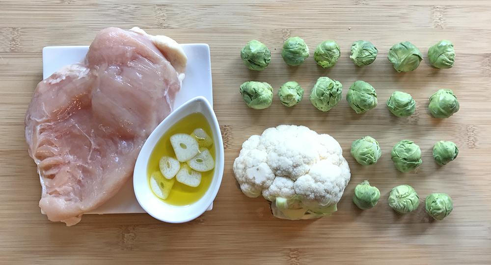 「管理栄養士が考えるランナーメシ!疲労回復にオススメ!BCAA補給レシピ!【鶏ムネ肉と芽キャベツのソテー】」の画像
