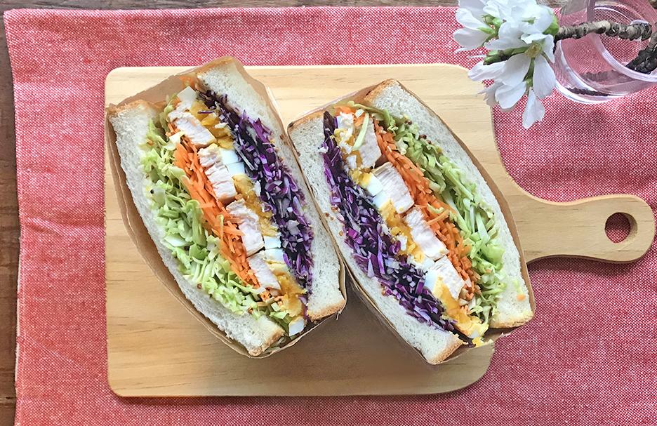 「管理栄養士が考えるランナーメシ!練習後にオススメ!【照り焼きチキンと春キャベツのサンドイッチ】」の画像