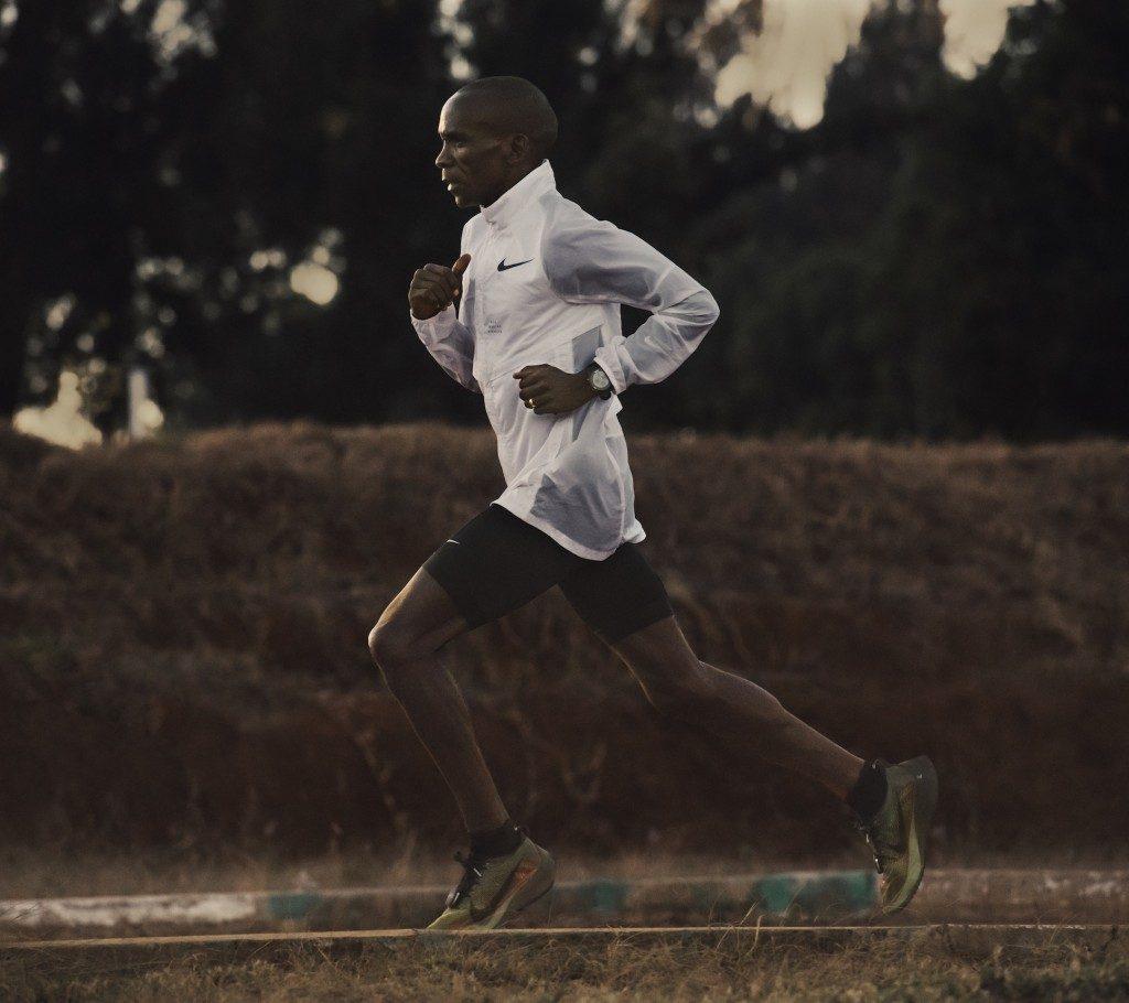「キプチョゲ選手「ナイキ ズーム ヴェイパーフライ エリート フライプリント」でロンドンマラソン出場」の画像