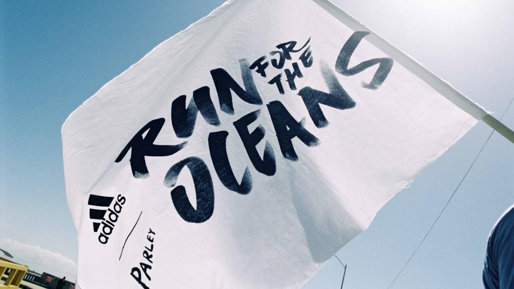 「走って海洋汚染を食い止めよう!アディダスとパーレイがランニングイベントを開催」の画像