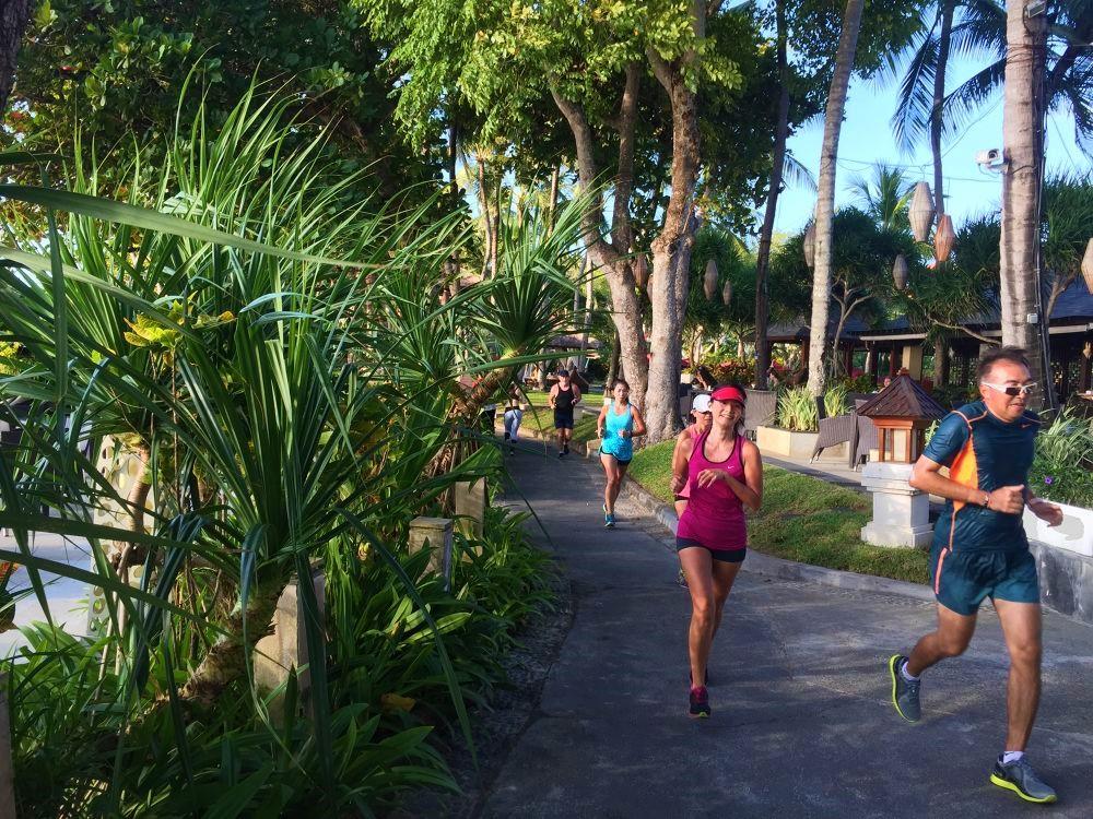 「ハワイ・バスク・プーケット……、インスタ映えする絶景海外コース10選」の画像