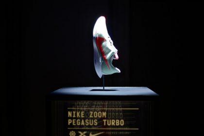 「『ペガサス35』『ヴェイパーフライ4%』の間ぐらい? ナイキ新作『ペガサス ターボ』の魅力」の画像