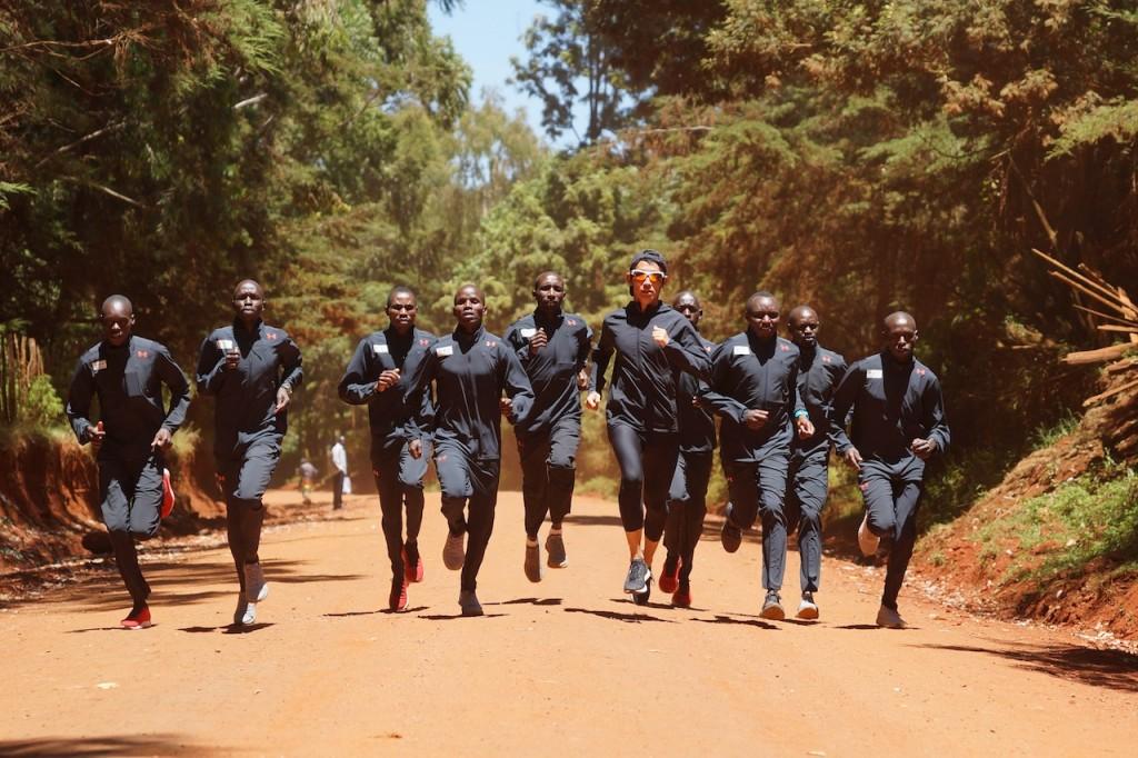 「トレーニング目的で訪れた国で「選手育成キャンプ」を設立することになった1人のアスリートの話」の画像