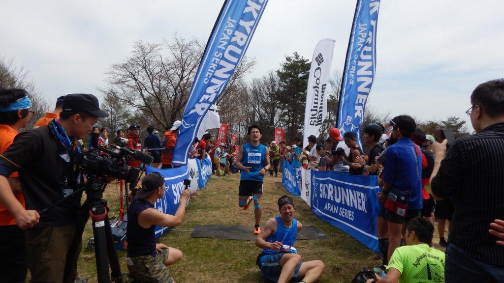 「ゴール後はしばらく立ち上がれない?『UEDA VERTICAL RACE-太郎山登山競走-』に参戦」の画像