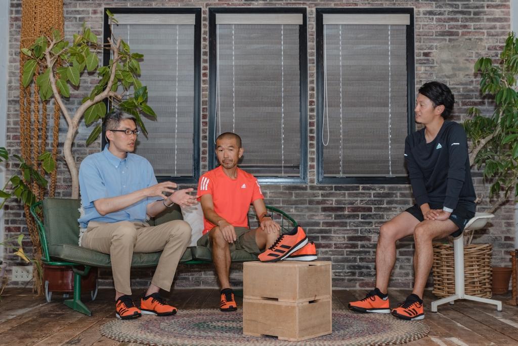「新作『ADIZERO BOSTON 8』はあらゆるランニングスタイルにマッチする、ズレ軽減フィット構造の万能型シューズ」の画像