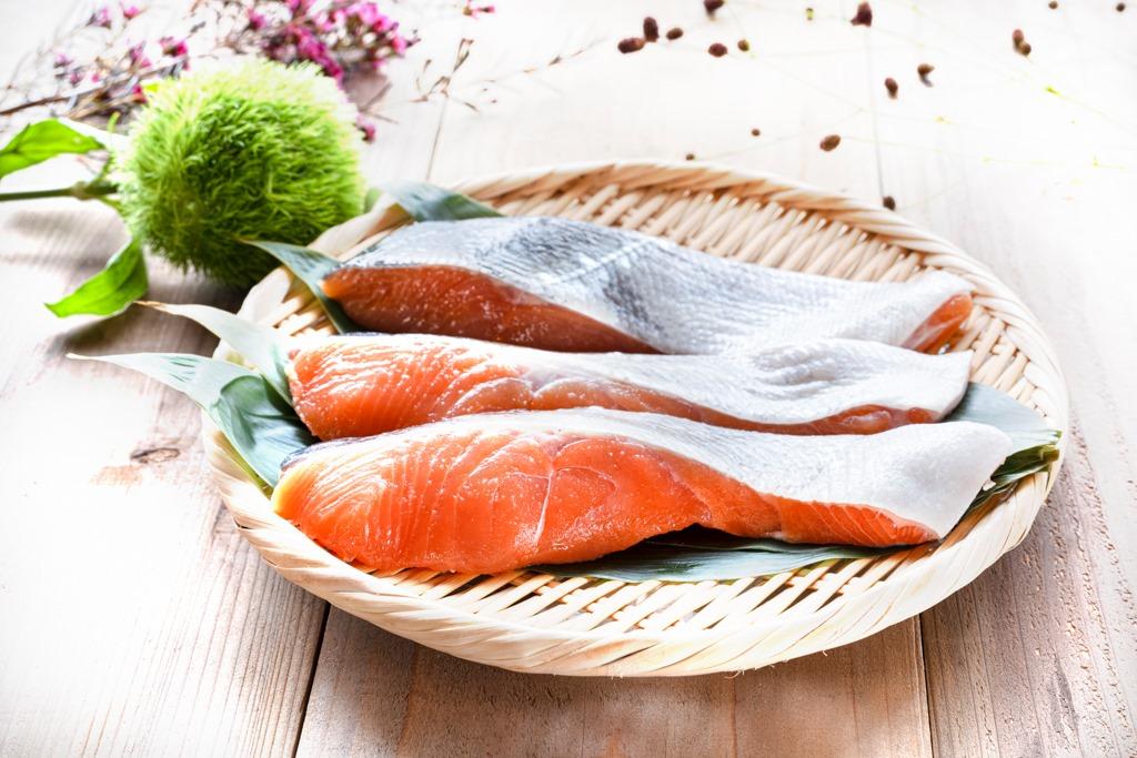 「筋力UP&疲労回復ランナーレシピ【秋鮭のスペイン風オムレツ】」の画像