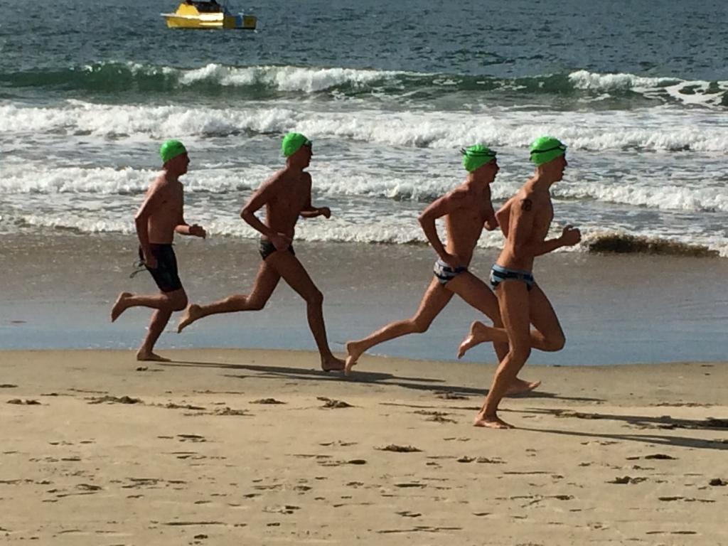 「走るなら早朝か夕方がベスト!ビーチランニングの楽しみ」の画像