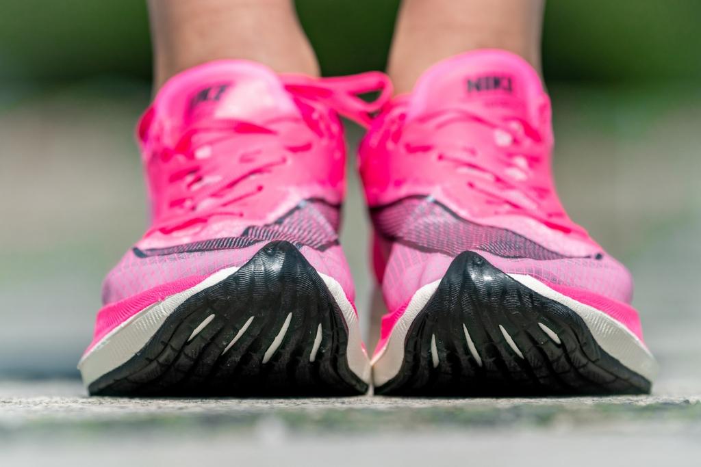 「MGC選手着用「ピンクシューズ」の実力。ナイキヴェイパーフライネクスト%」の画像
