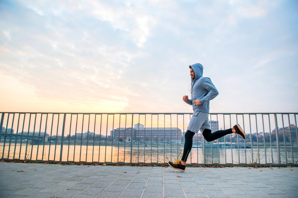 「【ランニング ×メンタル】走る気を保つドーパミンの扱い方。サブスリー精神科医が助言」の画像