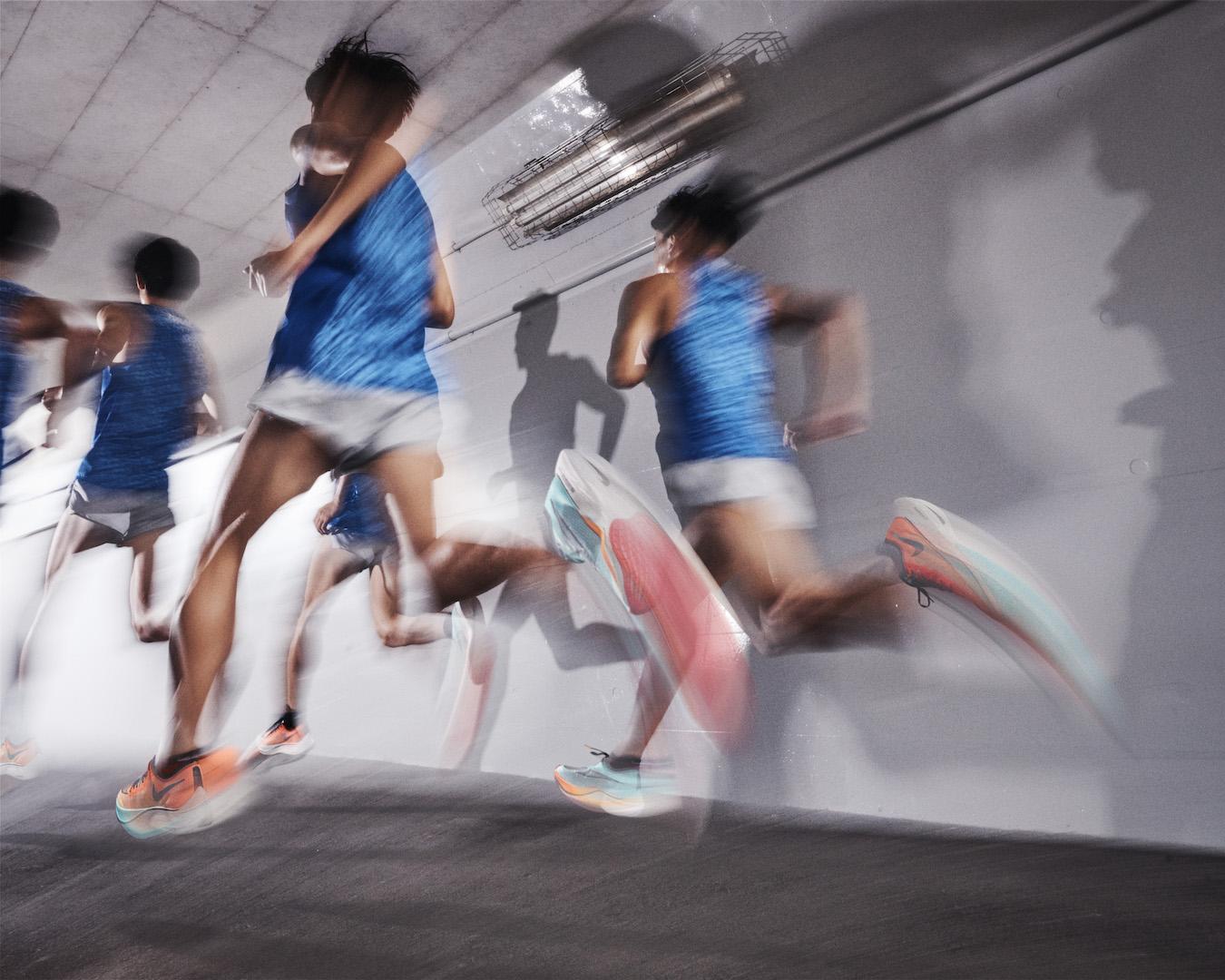 「ナイキから駅伝ランナーをモチーフにした「EKIDEN PACK」が12月3日より発売!」の画像