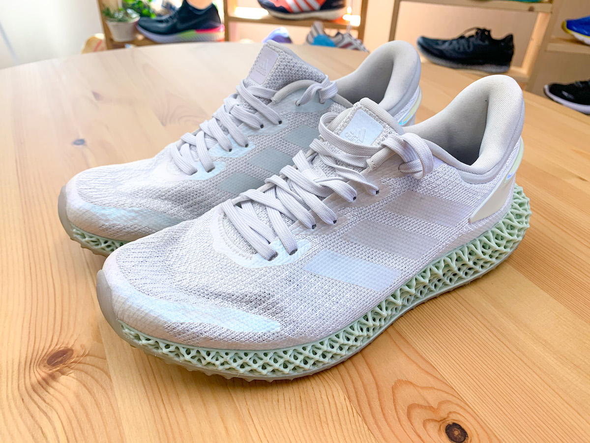 「【adidas】アディダスの初心者おすすめランニングシューズ !専門家の見立ては」の画像