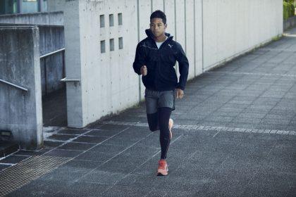 「【プーマ】カーボンプレート搭載の本気の厚底レーシングシューズ「DEVIATE NITRO」をレビュー」の画像