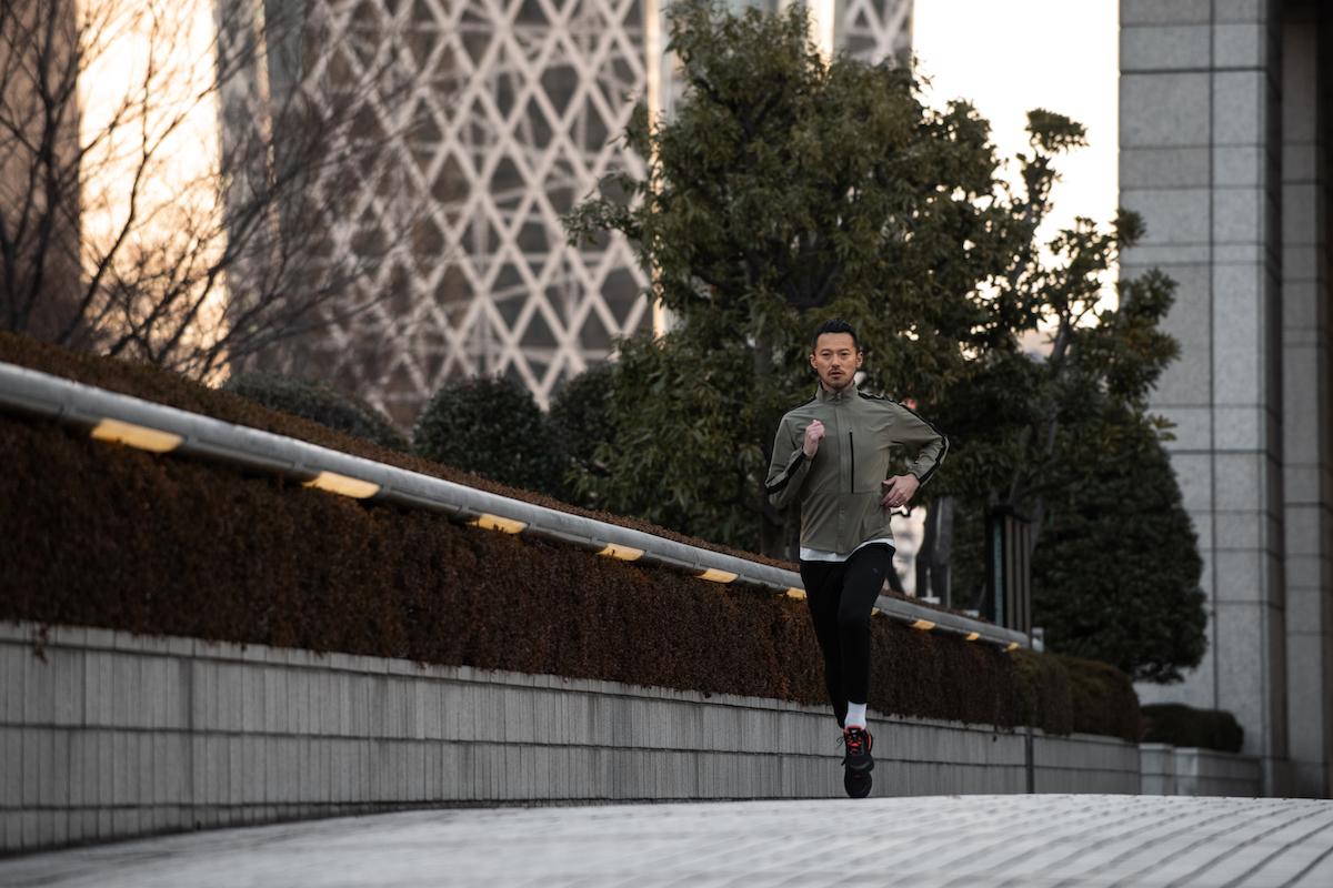 「【ファッション×ランニング】フルマラソンを走るオシャレランナー・牧野英明さん流のランスタイルとは」の画像