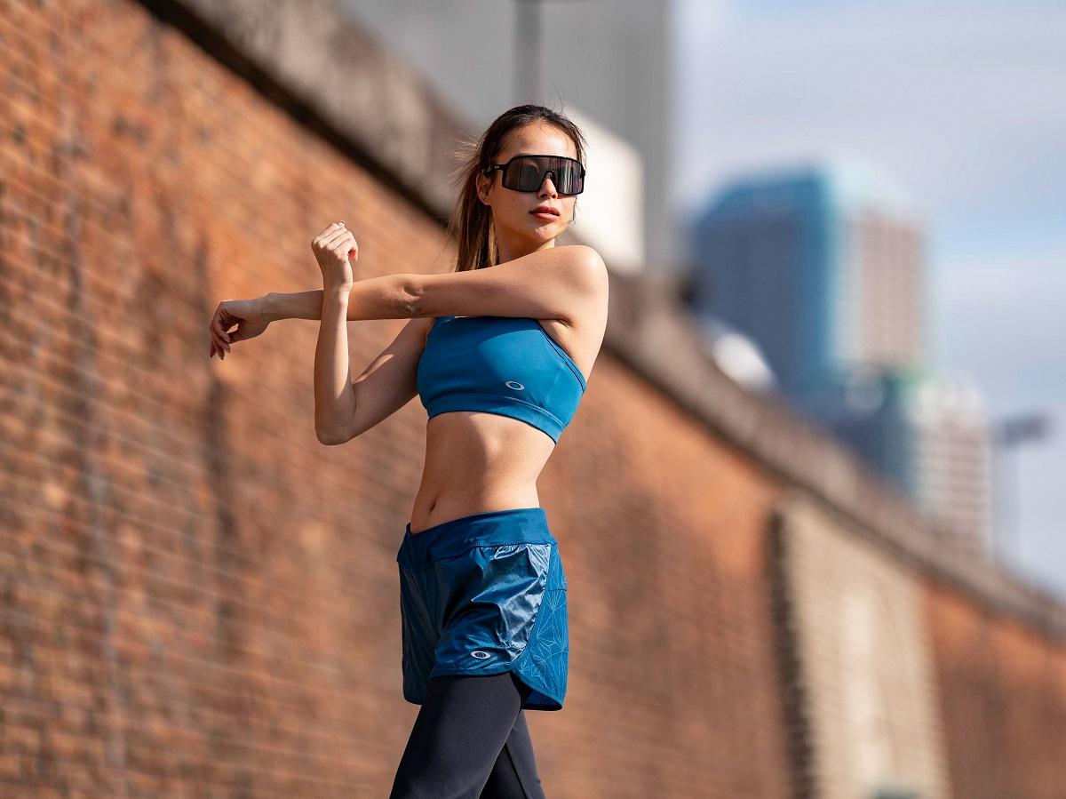 「【オークリー】アクティブな女性に向けた「ウィメンズトレーニングアパレル」が登場!」の画像