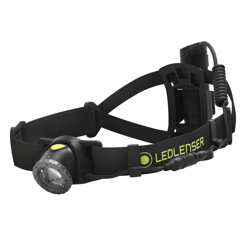 「トレイルランニングの必携品「ライト」の選び方をご紹介。種類や用途は?」の画像
